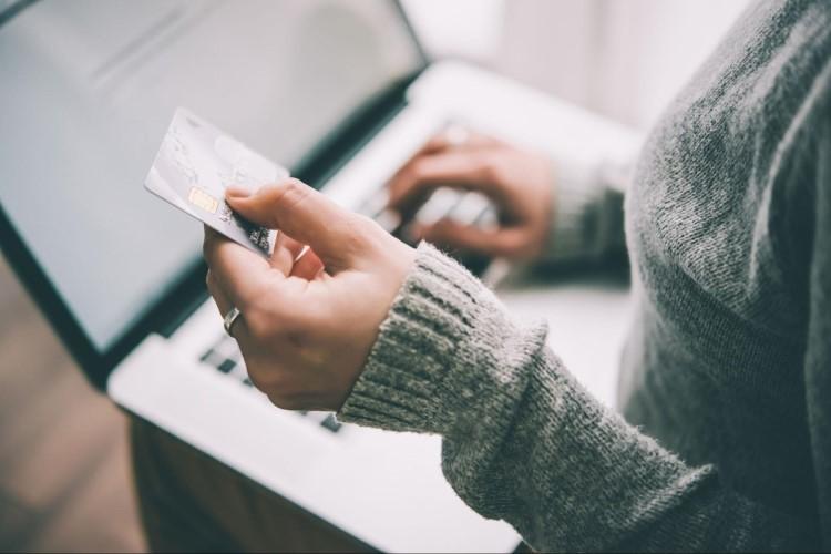 電信、水電、健保用哪張信用卡繳費最划算?